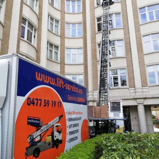 Lift-service - déménagements - lifts - stockage - garde-meubles - livraisons - par tous les temps